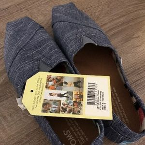 NEW Toms Chambray